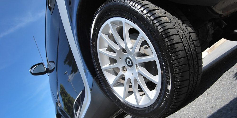 """Winter car tyres, """"4 seasons"""" car tyres: all the tips to get you there!"""