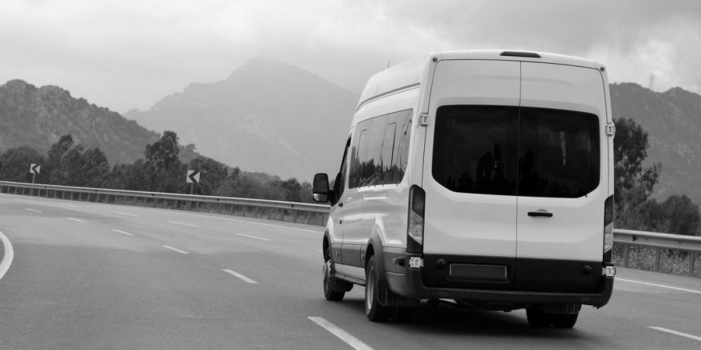Make The Most Out Of Minibus Hire Brighton Services