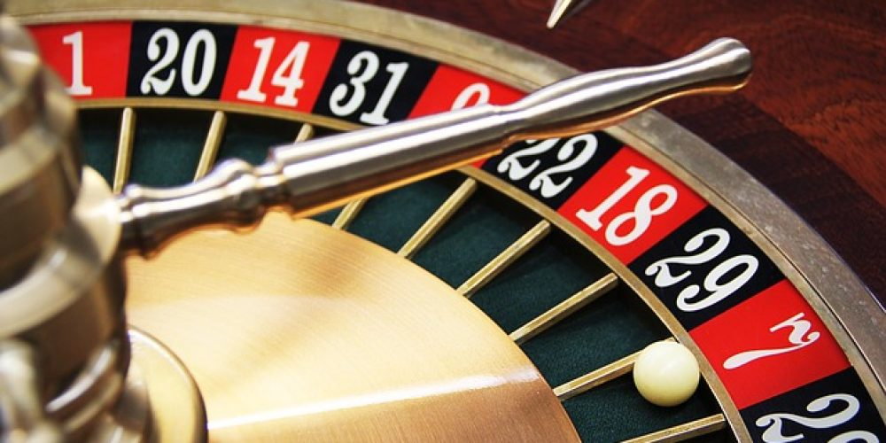 Detailed Guide to Play Smart in Online Roulette Game
