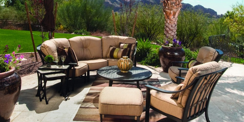 Different material for manufacturing of Outdoor Garden Furniture