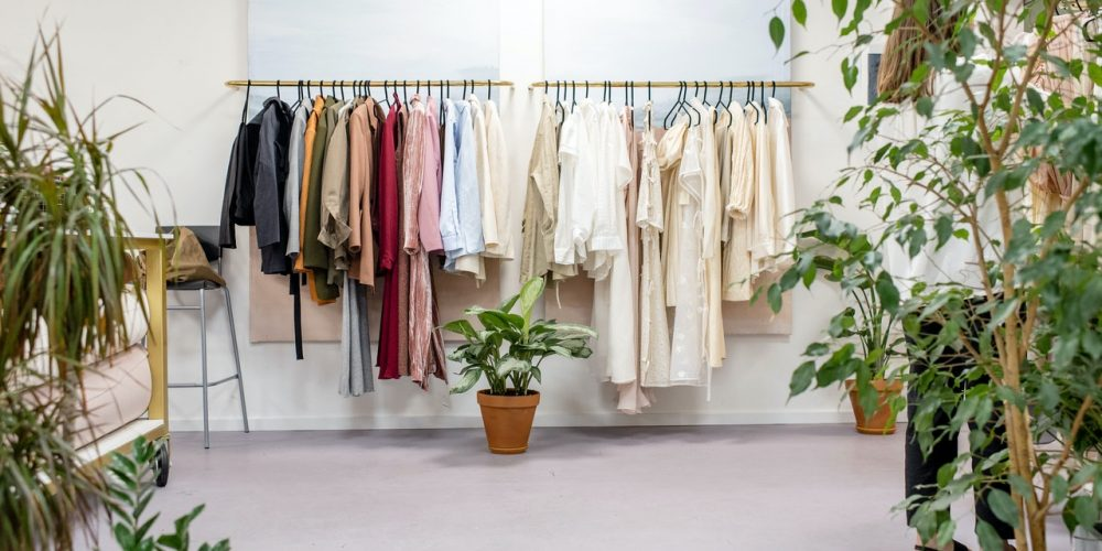 A Quick Guide to Buying Wholesale Clothing for Your Boutique