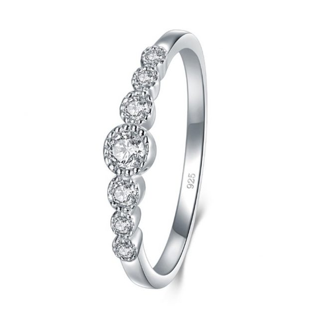 How to Get Health Benefits From Silver Rings?
