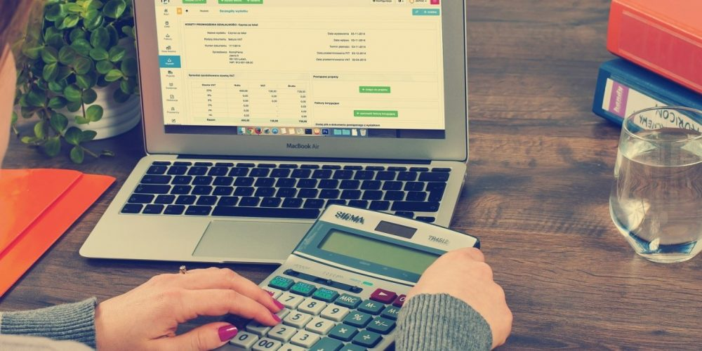 Four Reasons to Hire an Online Bookkeeper